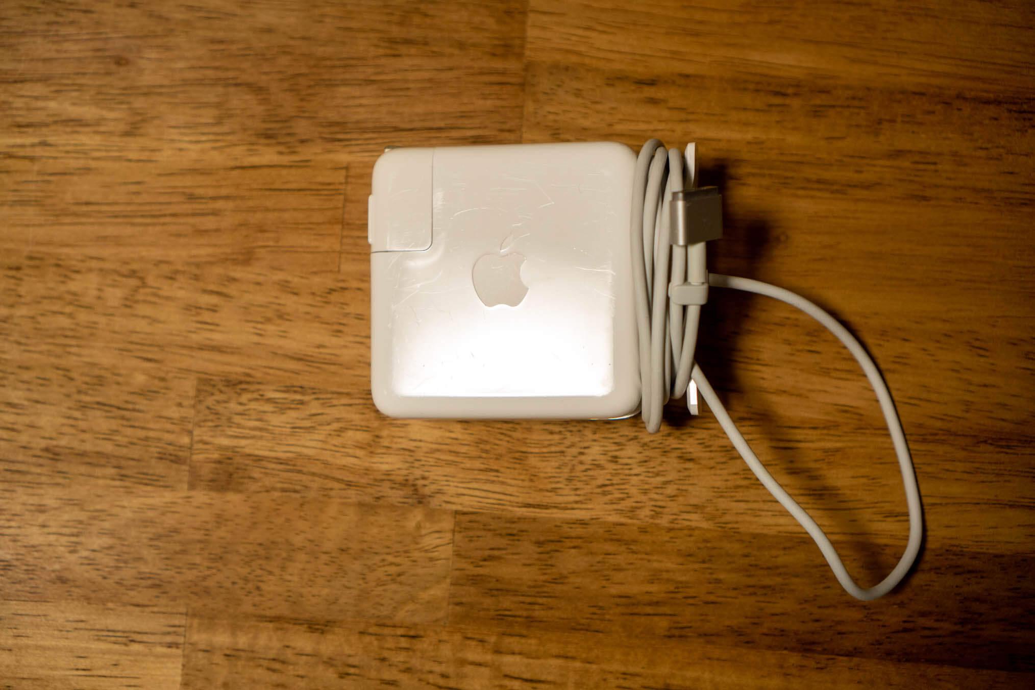 電源ケーブル
